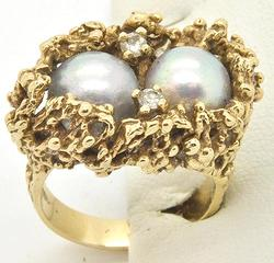 LADIES 14KT GOLD NUGGET STYLE PEARL AND DIAMOND RING