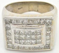 Impressive 14kt Gold Gents 2.50ctw Diamond Ring