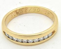 Elegant Men's Diamond Wedding Ring in 14kt
