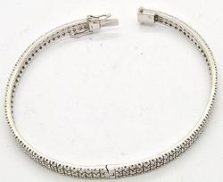 Elegant 14kt Gold 3ctw Diamond Bangle Bracelet