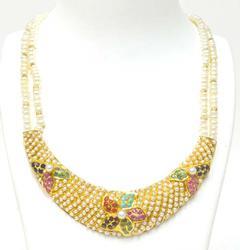 Luxurious heavy 22kt gold with gemstone jewel set
