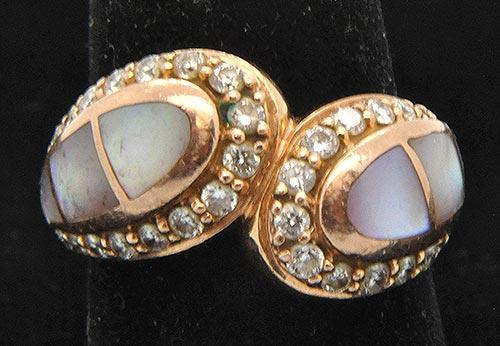 Fancy Design 14kt Gold Pearl & Diamond Ring