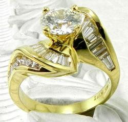 Impressive Diamond Ring in 18kt Gold
