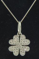 Clover Design Diamond Pendant in 18kt