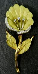 Elegant 18k, Platinum, & Diamond Brooch