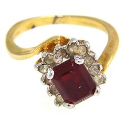 2.25cts Ruby & Diamond Ring Set in 10kt Yellow Gold