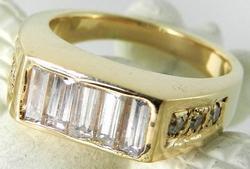 Stunning baguette diamond ring