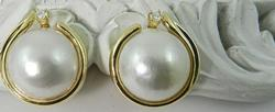 Classic 14k mobe pearl earrings