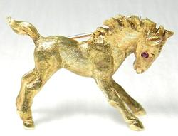 Horse Design Heavy 14kt Gold Brooch