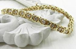 Fashionable Hugs & Kisses 2.5ctw Diamond Bracelet
