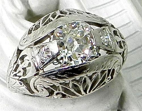 Vintage Platinum Filigree 0.95 Carat Diamond Ring