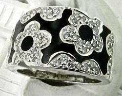 Floral Design Enamel WIth Diamonds Ring, 14kt Gold
