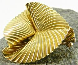 Fancy Design 14kt Gold Broach