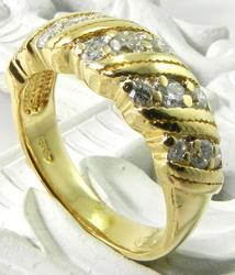 Diamond Band in 18KT Gold