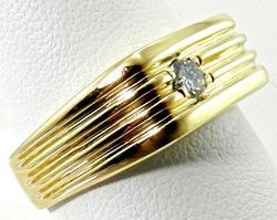 Sleek Gent's Diamond 14kt Ring