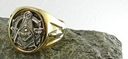 Handsome Masonic Ring with Diamond
