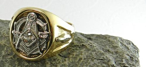 Handsome Masonic Ring with Diamond | USAuctionBrokers com
