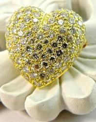 Dazzling 2 Cttw Diamond Heart Brooch, 18Kt Gold