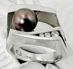 Unique Bronze Pearl 18K Ring