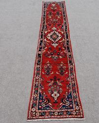 Highly Collectible Heriz Design Runner