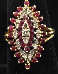Vintage Ladies 14kt Gold Ruby & Diamond Ring