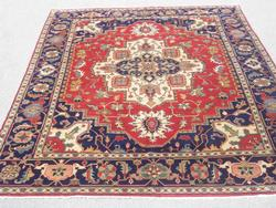 Stunning Genuine Hand Knotted Wool Persian Heriz Serapi Design