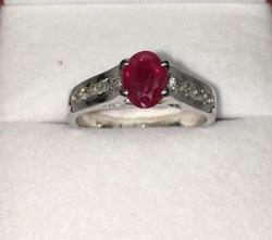 18kt Gold Ruby & Diamond Ring