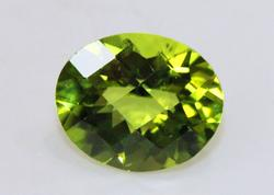 4.8 ct Faceted Checkerboard Oval Natural Peridot