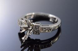 14K White Gold Diamond Semi Mount Engagement Ring