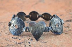 Vintage Engraved New Guinea Coin Link Bracelet Silver
