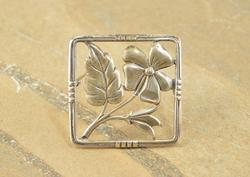 Antique Style High Relief Square Flower Leaf Pin Silver