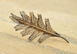 Antique Style Filigree Leaf Dark Patina Pin Silver