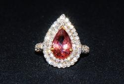 Lavish 18kt Gold, Pink Tourmaline, & Diamond Ring