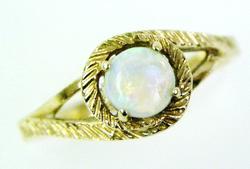 Vintage 10K Gold Fiery Opal Ring