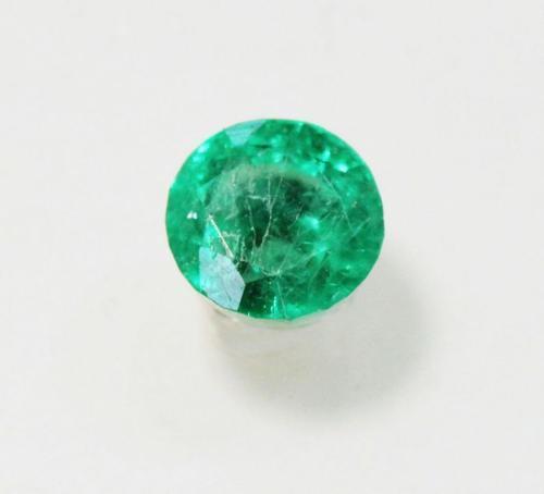 Brilliant Round Natural Emerald - 0.48 ct.