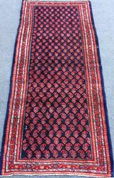 Very Handsome Mid-20th C. High Quality Vintage Persian Senneh