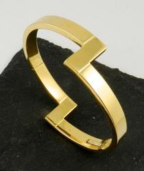 Elegant Design 18kt Gold Bangle Bracelet