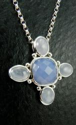 Cross Design 18kt Gold Necklace With Chalcedony Stones