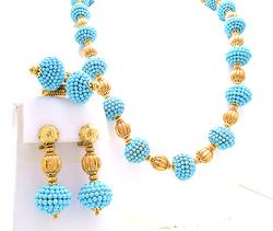 Amazing Vintage Turquoise Bead & Gold Set