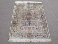 Gorgeous Nice Colors Semi Antique Floral Qum Design Art. Silk 6x9