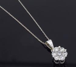 Charming Ladies Diamond Cluster Pendant, 14kt Gold