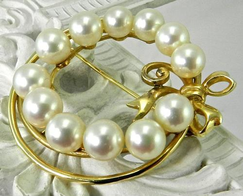 Fancy Vintage Pearl Circle Brooch