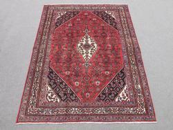 Simply Beautiful Handmade Semi Antique Persian Hosseinabad