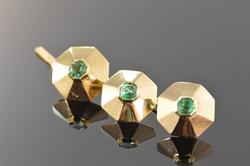 Vintage 18K Gold Emerald Tuxedo Button