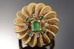 14K Yellow Gold Retro Emerald Diamond Scalloped Ring