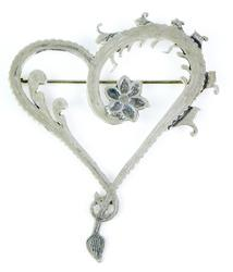 Beautiful 3 Inch Vintage Heart Brooch