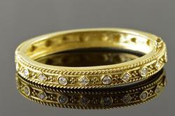 Phenomenal 18kt Gold Very Detailed Greek Style Bange