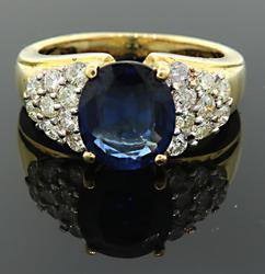 Glamorous 2+ctw Sapphire & Diamond Ring, 18kt Gold