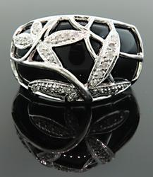 White Gold Black Onyx Ladies Ring
