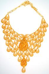 Impressive & Intricate 21kt Gold Necklace